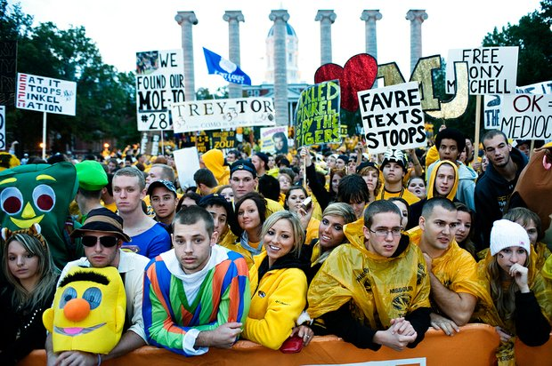 102310_8122a_jb_college_gameday_t620